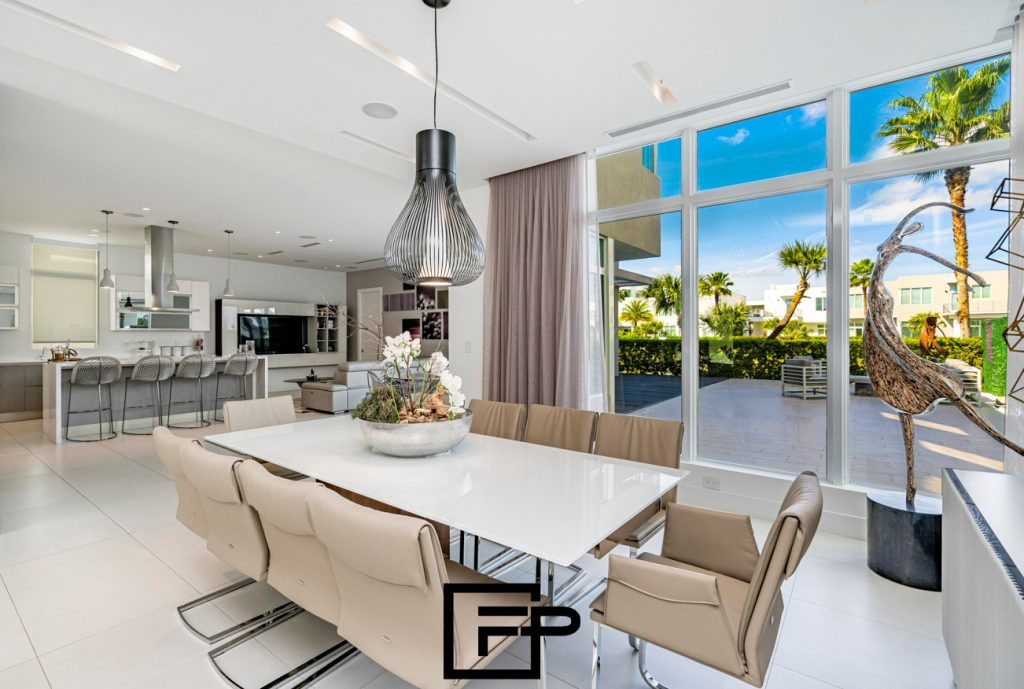 Real estate photography can produce high quality photos and create good impression among buyers.