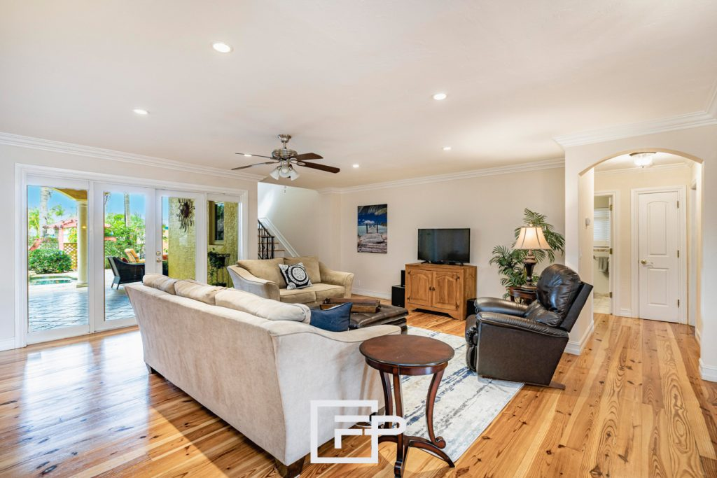 Unique photography techniques make great photos. In real estate, they increase chances of selling properties.