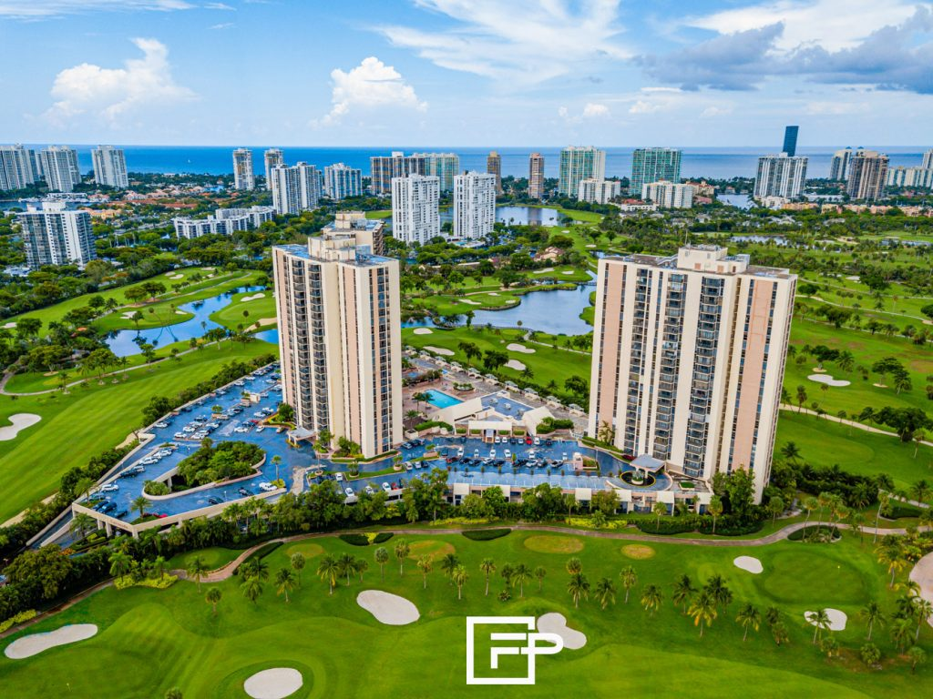 Fast Promo USA offering the BEST Real Estate Photography in South Florida.